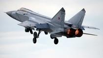 "Video: MiG-31 của Nga ""cắt mũi"" F-16 Na Uy"