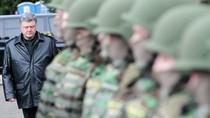 """Poroshenko gọi hoạt động ở miền Đông là """"Chiến tranh Vệ quốc Ukraine"""""""
