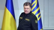 Poroshenko chuẩn bị vũ khí chống tăng, quyết tâm giành lại sân bay Donetsk