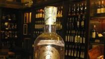 Uống rượu pha vàng: Đẳng cấp đại gia hay... tự sát?