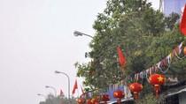 """Tháo dỡ đèn lồng Trung Quốc có chữ """"Tam Sa"""""""