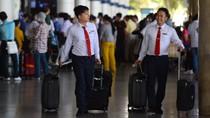 Tiếp viên Vietnam Airlines hết thời... xách tay hàng ngoại