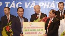FrieslandCampina Việt Nam tặng 60 con bò cho Hội Chữ thập đỏ