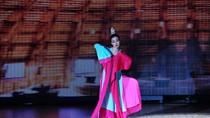 Thu Thủy 'lẳng lơ' áp đảo Ốc Thanh Vân ở Bước nhảy hoàn vũ