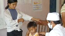 Bác sĩ ở các huyện miền núi Quảng Ngãi bỏ việc hàng loạt?