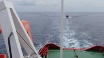Nhiều tàu cá gặp nạn trên biển được tàu Hải quân ứng cứu