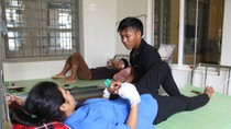 Nữ sinh phải nhập viện cấp cứu sau khi thi xong môn Văn