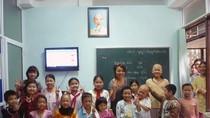 """Buổi đầu tiên của """"cô giáo"""" Thái Thùy Linh ở Lớp học Hy vọng"""