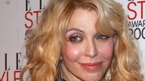 Courtney Love giúp Lindsay Lohan trở lại?