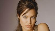 Angelina Jolie tránh 'đụng chạm' chuyện quá khứ