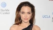 Angelina Jolie đóng 'Người đẹp ngủ trong rừng'