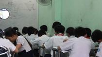 Giáo viên mượn danh nghĩa nhà trường và trung tâm để dạy thêm