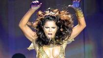 Cheryl  Cole nhảy bốc lửa, khoe vòng một nóng bỏng trên sân khấu