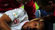 Cận cảnh chấn thương kinh hoàng khiến sao tuyển Anh nhập viện
