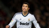 Thắng Barca, Ronaldo đe nẹt M.U