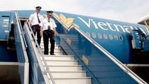 Hàng loạt phi công Vietnam Airlines xin nghỉ việc vì... lương thấp?