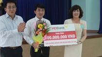 HDBank tài trợ 300 triệu đồng cho Sở Y tế TP.HCM