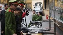 """141 Hà Nội: 90 ngày ra quân thu cả """"kho"""" súng, dao kiếm các loại"""