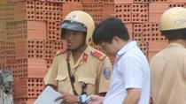 Clip: CSGT TP.HCM 'dấm dúi' khi xử lý vi phạm
