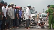 Va chạm với xe đạp, 4 nữ sinh 'kẹp 4' trên xe Vespa S chết thảm khốc