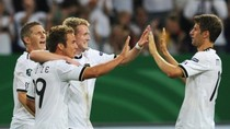 Đức rượt đuổi tỷ số ngoạn mục cùng chủ nhà EURO 2012