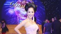Khánh Thi mặc thế nào đêm CK Bước nhảy hoàn vũ?