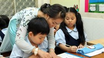 Chuyên gia giáo dục dự đoán lý do cô giáo lên lớp mà không nói gì