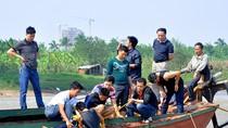 """""""Nhà ngoại cảm"""" ra giữa sông Hồng tìm xác nạn nhân bị BS vứt phi tang"""