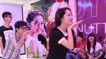 Sinh nhật cực vui nhộn của hot girl xinh nhất The Voice
