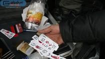 Video: Ngang nhiên mang theo dụng cụ cờ bạc bịp trên xế hộp