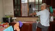Dân đón Tết trong nhà hư hỏng, Chủ tịch phường Dịch Vọng có suy nghĩ gì không?