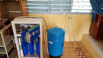 Việt kiều Đức bức xúc vì tài trợ máy lọc nước cho trường nhưng bị xếp xó