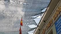 Phụ huynh trường Bình Hưng Hòa phải đóng 250 triệu đồng làm mái che sân