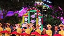 Đường hoa Nguyễn Huệ mở cửa, đón người dân đến du xuân