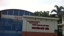 Trường Nguyễn Hữu Tiến thiếu hiểu biết pháp luật, ngăn cản phóng viên