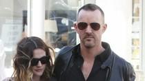 Hot 27/2: Drew Barrymore ra phố sau tin đồn mang bầu