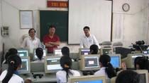 Nghĩ về cách tổ chức cuộc thi tiếng Anh qua mạng ở trường mà thấy sợ