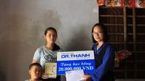 """Học bổng """"Chuyện nhà Dr Thanh"""" tiếp thêm nghị lực cho học sinh nghèo"""