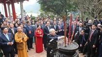 Tổng Bí thư, Chủ tịch nước thả cá chép tại hồ Hoàn Kiếm