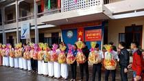 Trường Huỳnh Thúc Kháng trao gần 200 suất học bổng và quà Tết cho học sinh nghèo