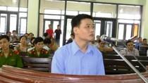 Thiếu tá CSGT hiếp dâm nữ doanh nghiệp trên ôtô lĩnh án 2 năm tù