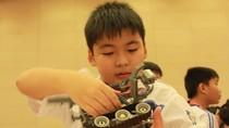 Chùm ảnh: Học sinh 5 nước tranh tài trong ngày hội Robotics 2012