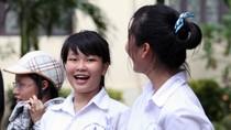 Ngày thi đầu tiên giám thị lo lắng, nhiều thí sinh bỏ thi