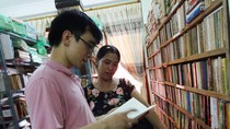 Chàng trai bỏ 15 năm sưu tầm hơn 10.000 cuốn sách cổ