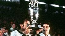 EURO 1976: Cú đá Panenka thần kỳ đưa Tiệp Khắc 'xưng bá' châu Âu
