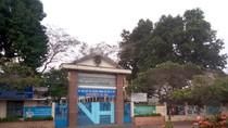 Lãnh đạo tỉnh muốn Trường Văn Hiến là tư thục, thị xã muốn là công lập