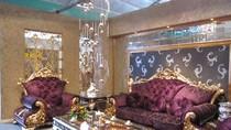 Chùm ảnh: Ngắm nội thất dát vàng, đèn chùm tiền tỷ tại Hà Nội