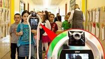 Chuyện lạ: Robot đi học lớp 2