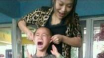 Trung Quốc: Giáo viên chụp ảnh ngược đãi học sinh rồi tung lên mạng