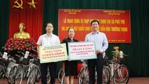Trao yêu thương, tạo động lực cho học sinh thị xã Phú Thọ đến trường